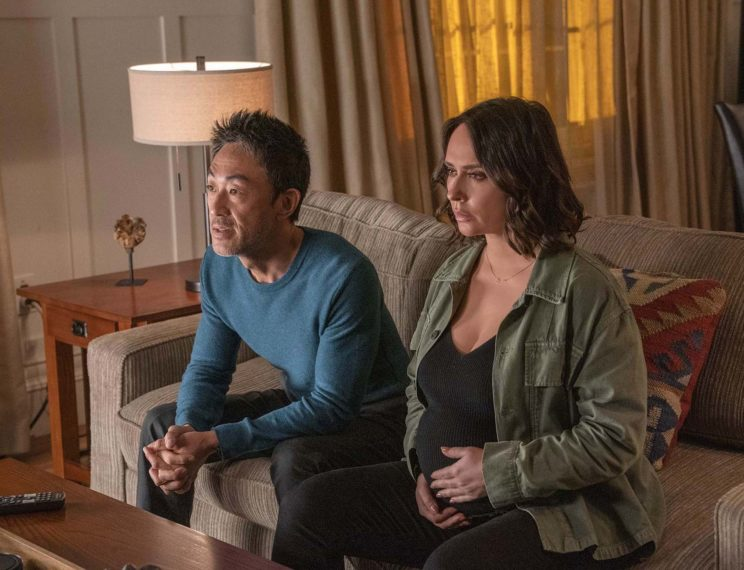 Kenneth Choi as Chimney, Jennifer Love Hewitt as Maddie in 9-1-1